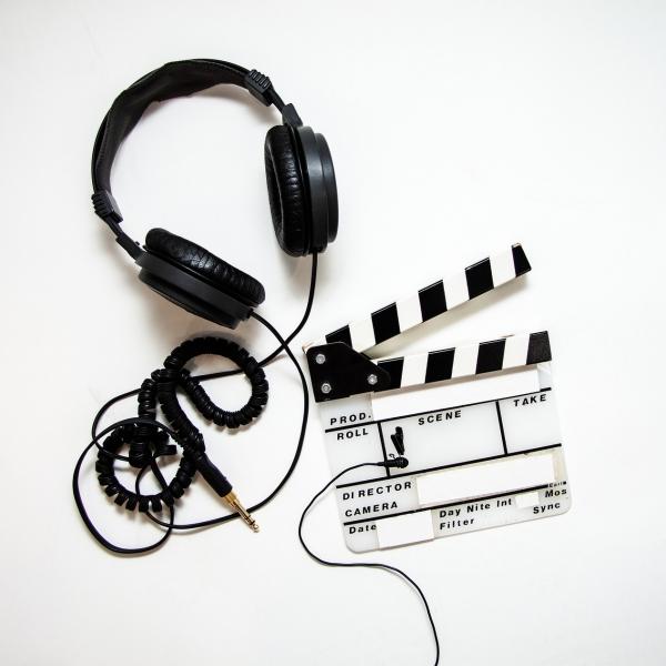 Pravidla uvedení KME v titulcích video výstupů